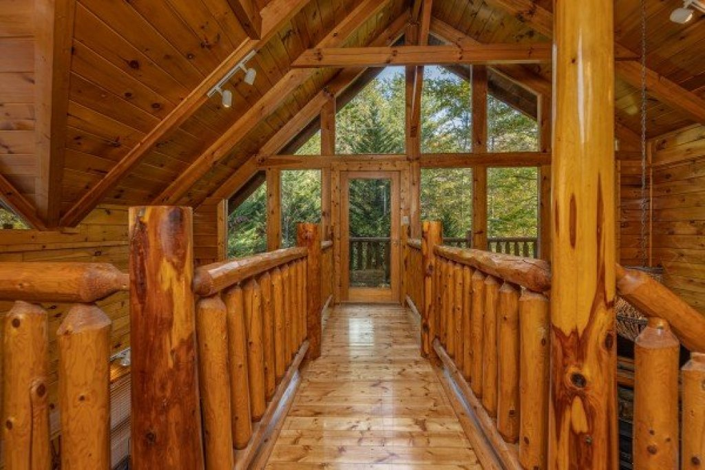 Photo of a Gatlinburg Cabin named Silver Creek Cabin - This is the first photo in the set.
