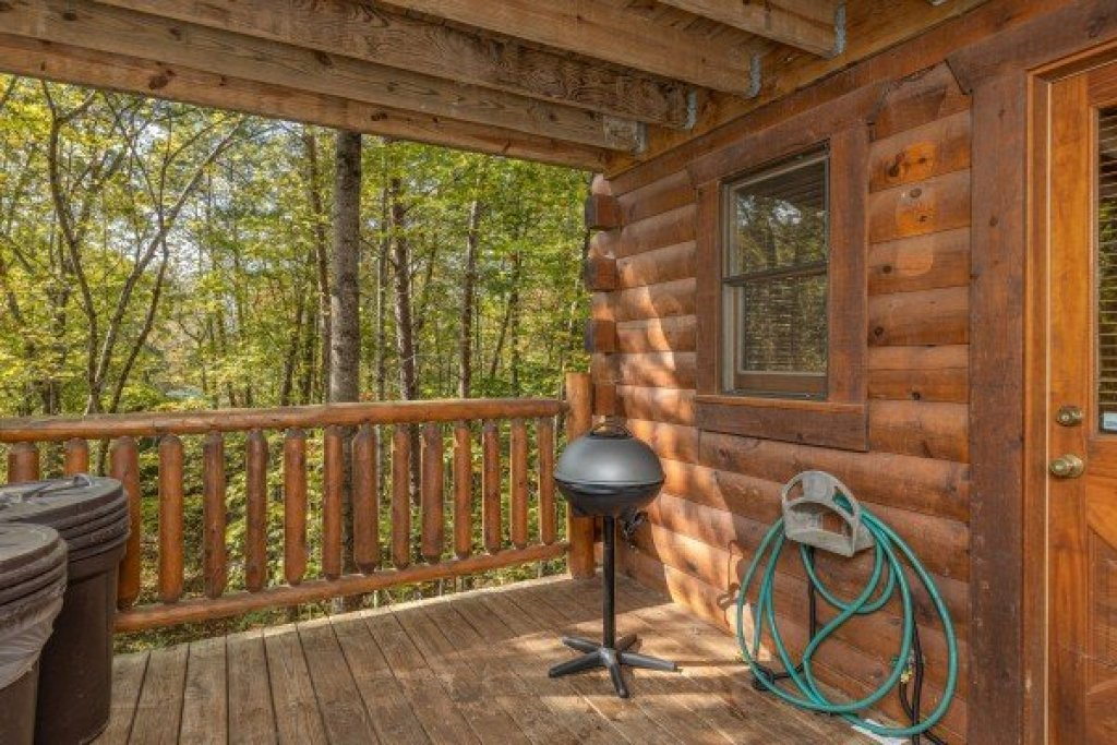 Photo of a Gatlinburg Cabin named Silver Creek Cabin - This is the eighth photo in the set.