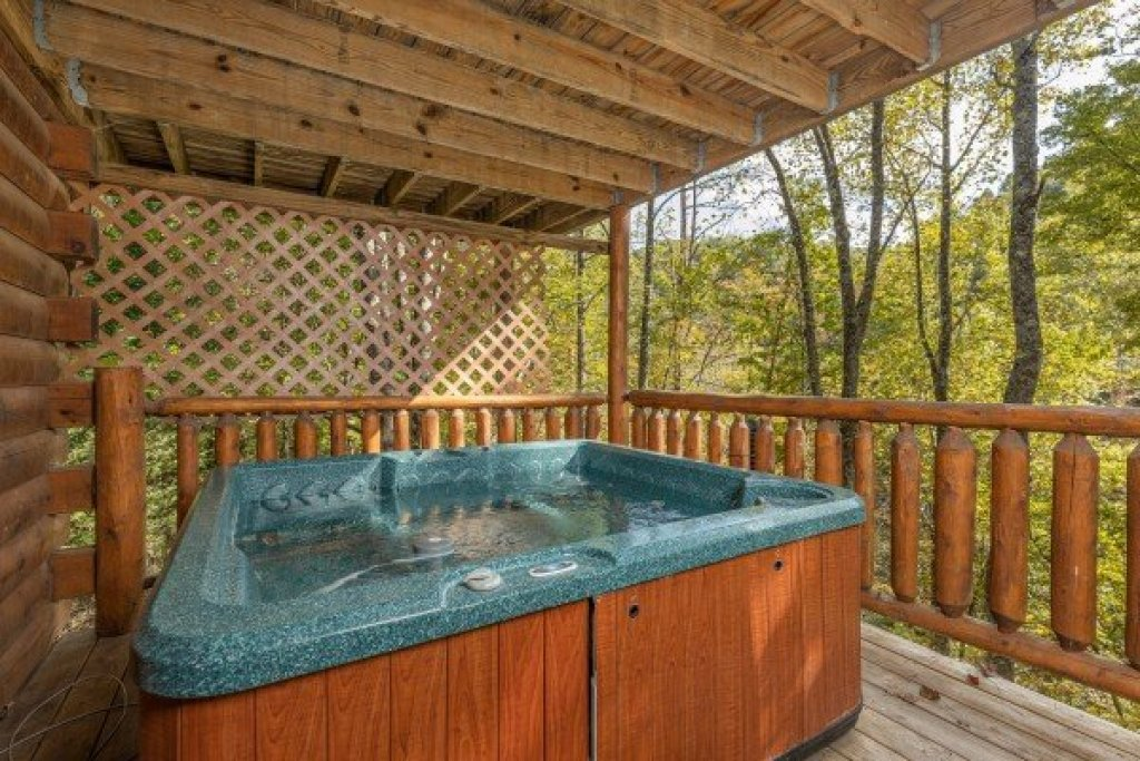 Photo of a Gatlinburg Cabin named Silver Creek Cabin - This is the ninth photo in the set.