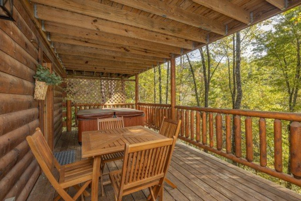 Photo of a Gatlinburg Cabin named Silver Creek Cabin - This is the seventh photo in the set.