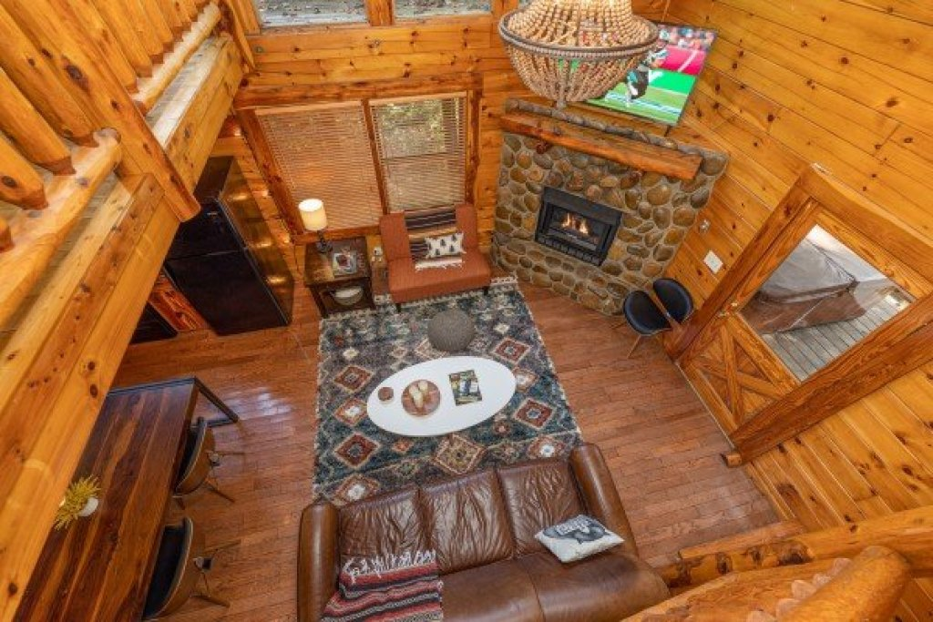 Photo of a Gatlinburg Cabin named Silver Creek Cabin - This is the fifteenth photo in the set.