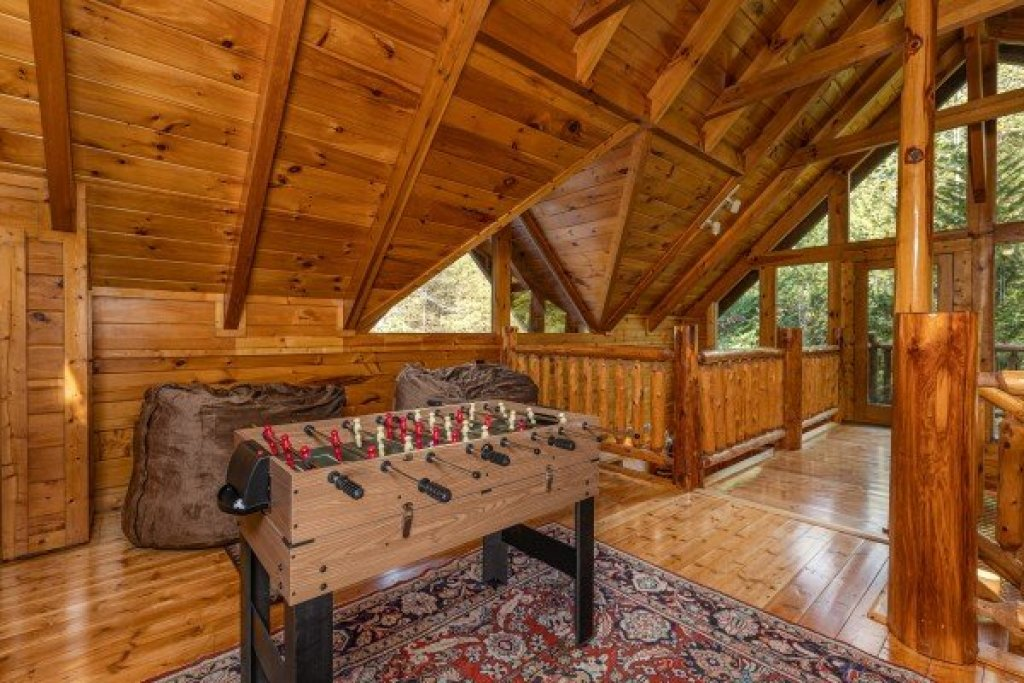 Photo of a Gatlinburg Cabin named Silver Creek Cabin - This is the sixteenth photo in the set.