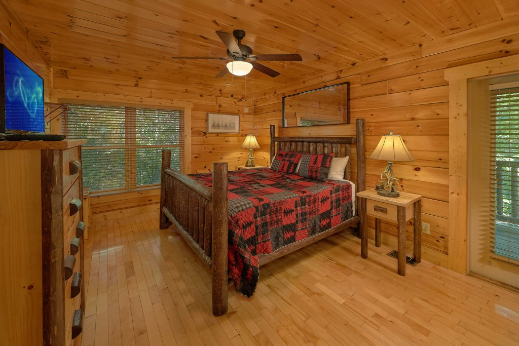 Photo of a Gatlinburg Cabin named Natural Attractions - This is the twenty-first photo in the set.