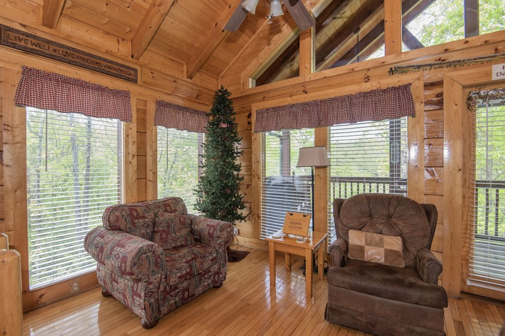 Photo of a Sevierville Cabin named  Eagle's Dream - This is the fourth photo in the set.