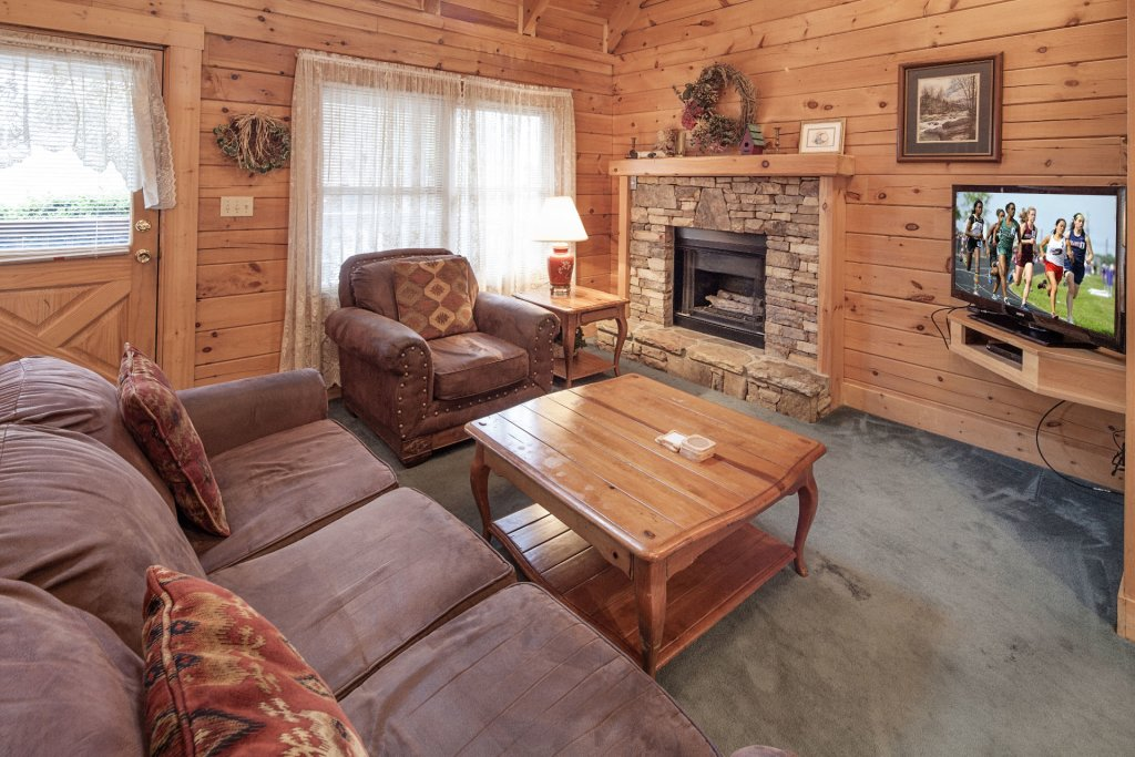 Photo of a Pigeon Forge Cabin named  Heavenly View - This is the third photo in the set.