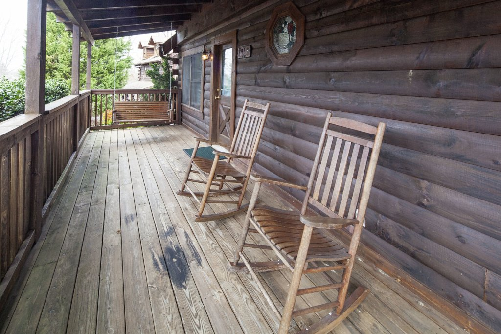 Photo of a Pigeon Forge Cabin named  Heavenly View - This is the twenty-eighth photo in the set.