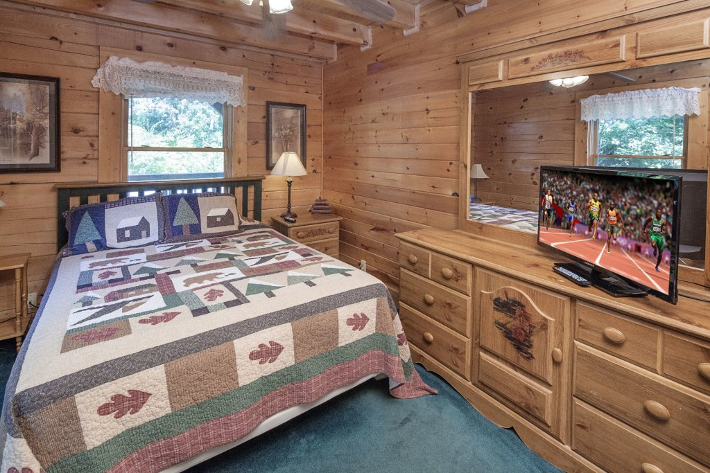 Photo of a Pigeon Forge Cabin named  Gerrald's Chalet - This is the twentieth photo in the set.
