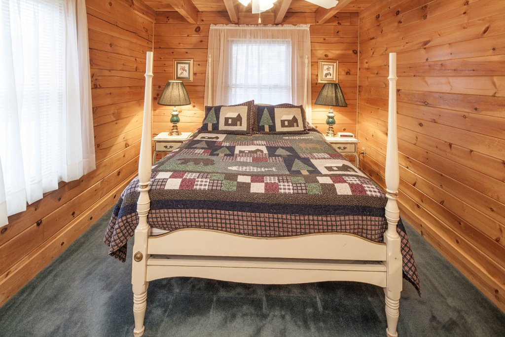 Photo of a Pigeon Forge Cabin named  Heavenly View - This is the nineteenth photo in the set.