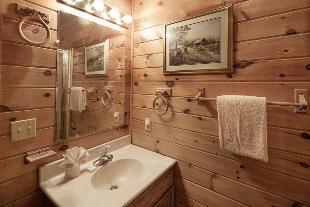 Photo of a Pigeon Forge Cabin named  Gerrald's Chalet - This is the seventeenth photo in the set.