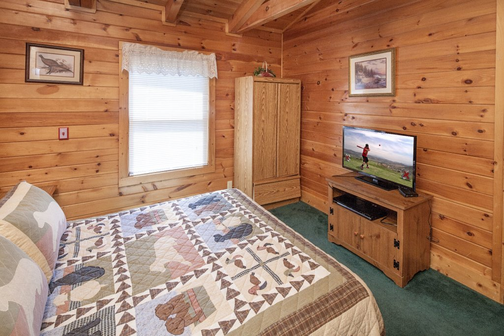 Photo of a Pigeon Forge Cabin named  Gerrald's Chalet - This is the twenty-second photo in the set.