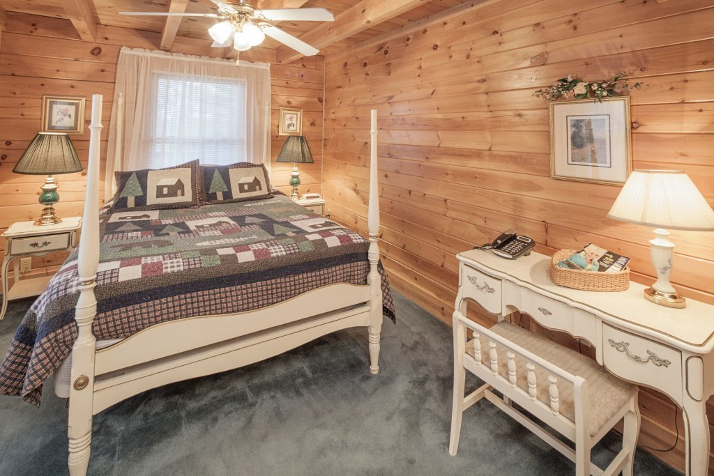 Photo of a Pigeon Forge Cabin named  Heavenly View - This is the twenty-second photo in the set.
