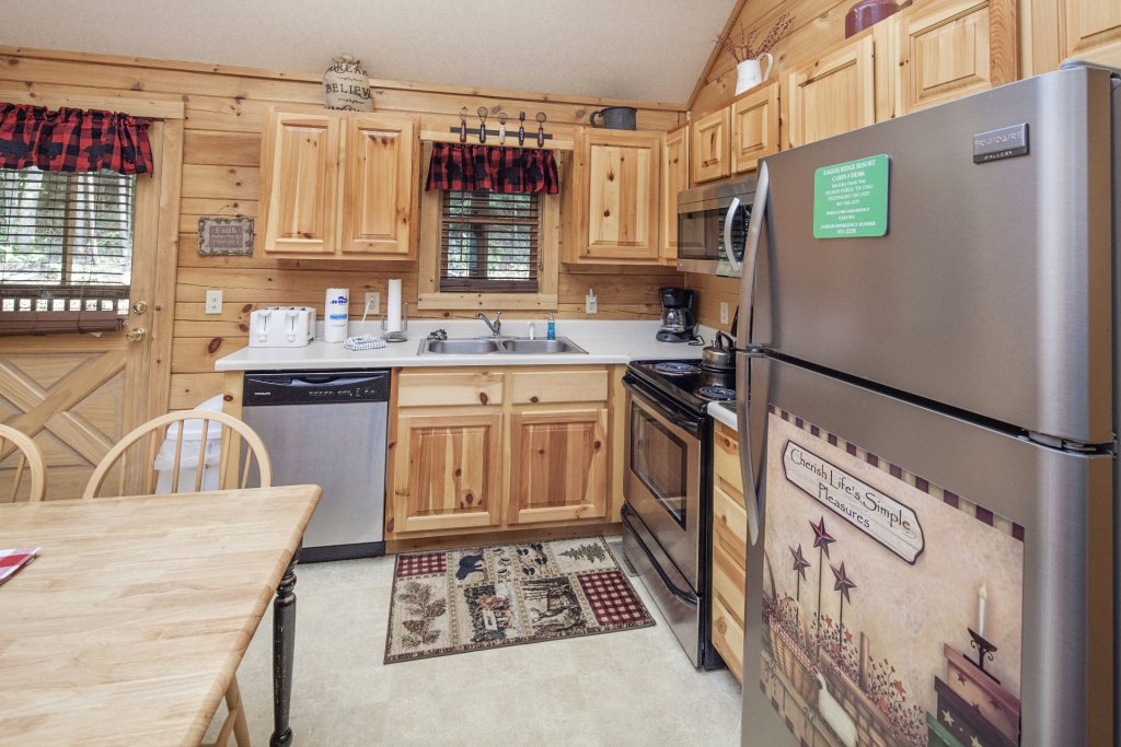 Photo of a Pigeon Forge Cabin named  A Smoky Mountain Dream - This is the eighth photo in the set.