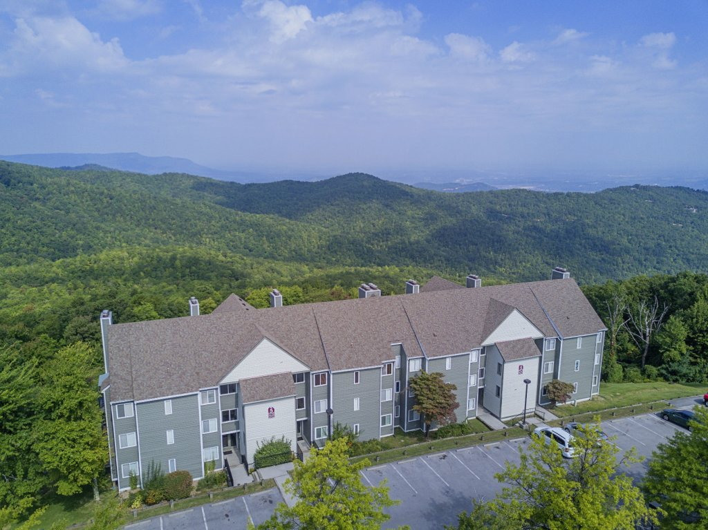 Photo of a Gatlinburg Condo named Summit Condo #5302 - This is the second photo in the set.