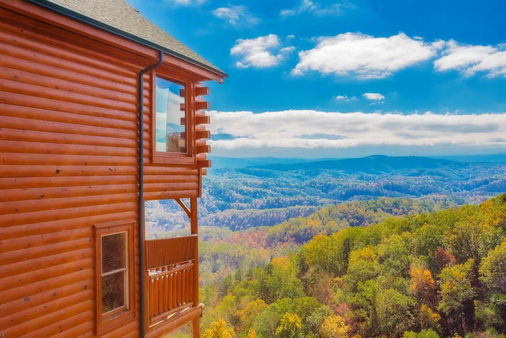 Photo of a Pigeon Forge Cabin named Heavenly High - This is the sixteenth photo in the set.