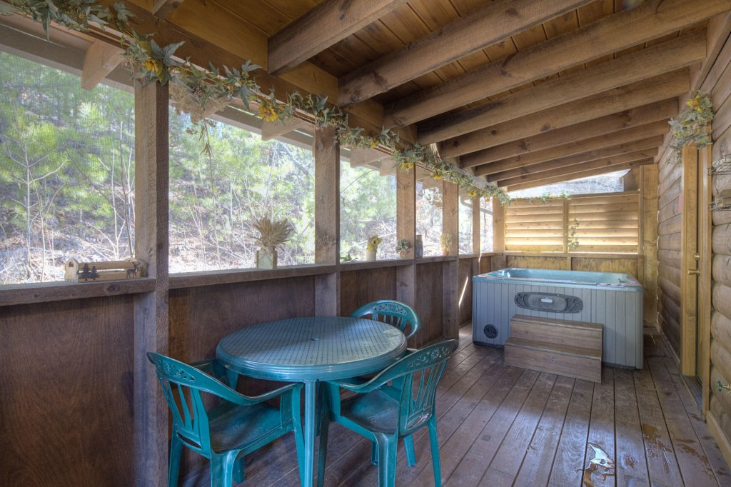 Photo of a Pigeon Forge Cabin named  Sleepy Bear - This is the sixth photo in the set.