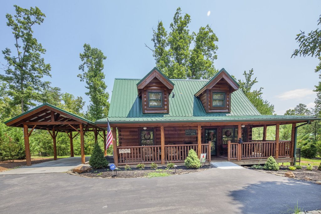 Photo of a Sevierville Cabin named Liam's Retreat - This is the third photo in the set.