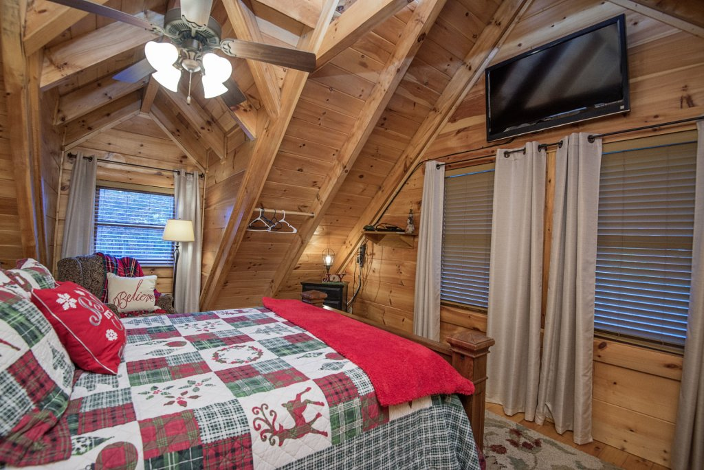 Photo of a Sevierville Cabin named Liam's Retreat - This is the thirty-fourth photo in the set.