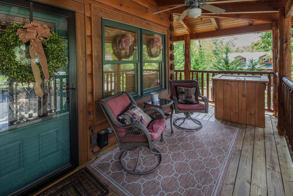 Photo of a Sevierville Cabin named Liam's Retreat - This is the twelfth photo in the set.