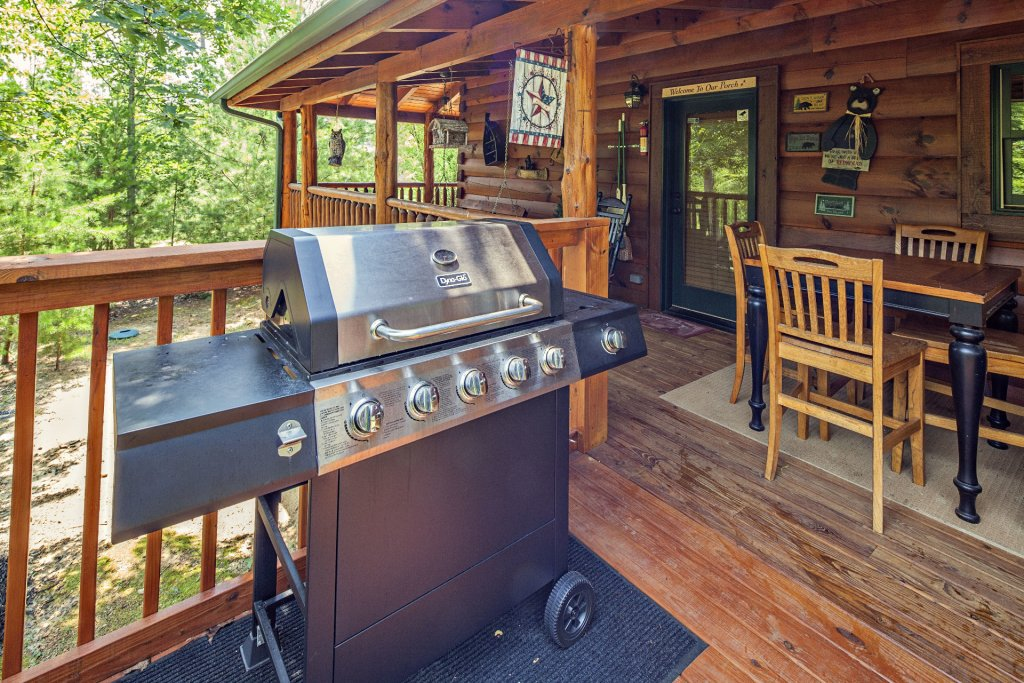 Photo of a Sevierville Cabin named Liam's Retreat - This is the twentieth photo in the set.