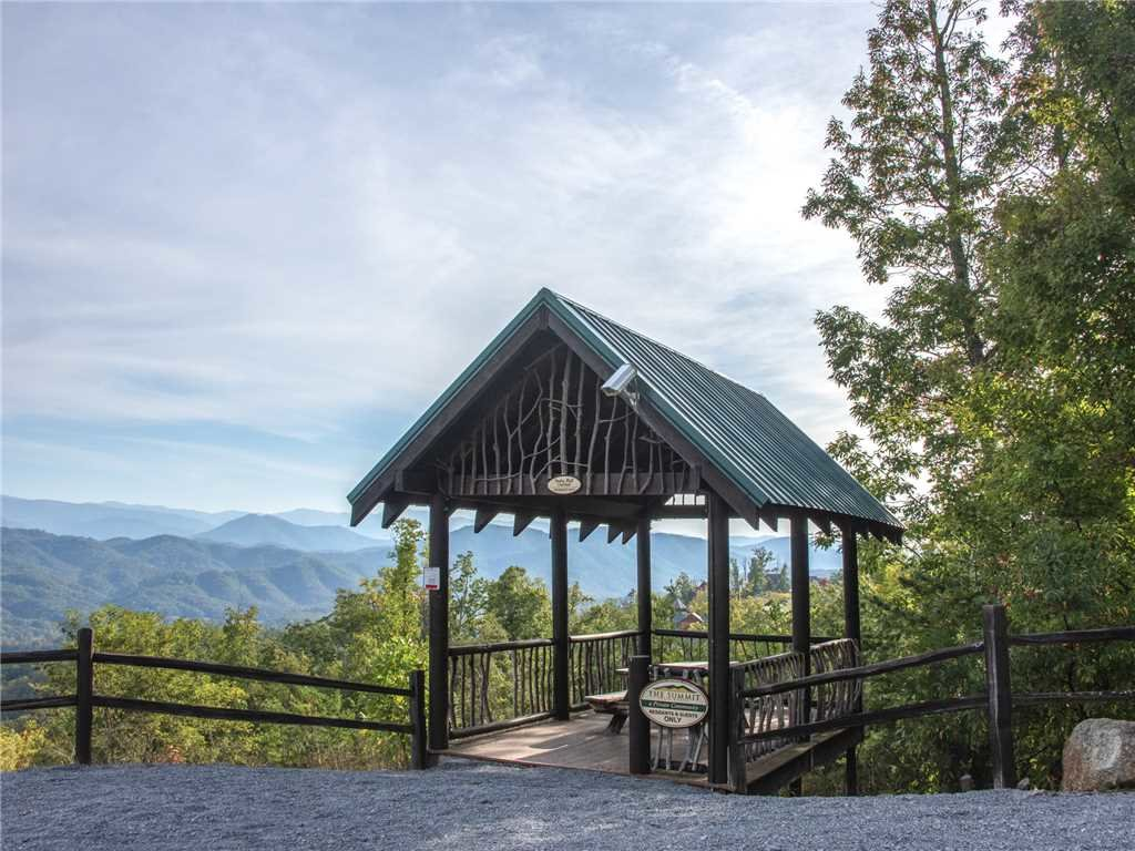 Photo of a Sevierville Cabin named Manna Mountain Lodge - This is the twelfth photo in the set.