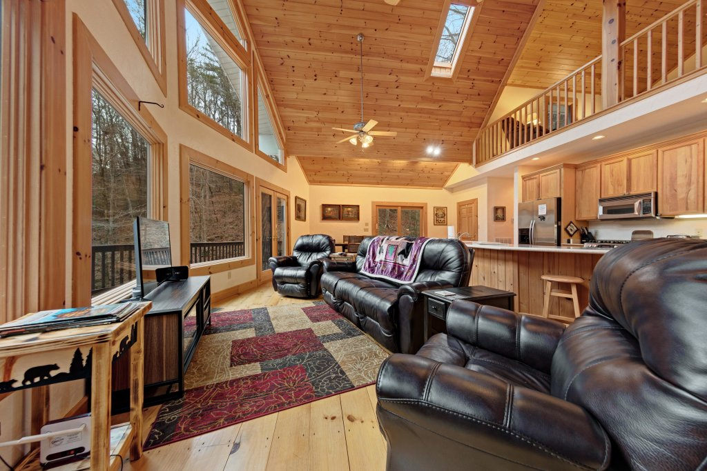 Photo of a Sevierville Cabin named Serenity Hollow - This is the first photo in the set.