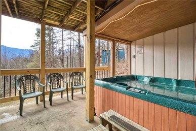 3 Bedroom In Gatlinburg With A View Of Mt. Leconte Is Simply Spectacular!