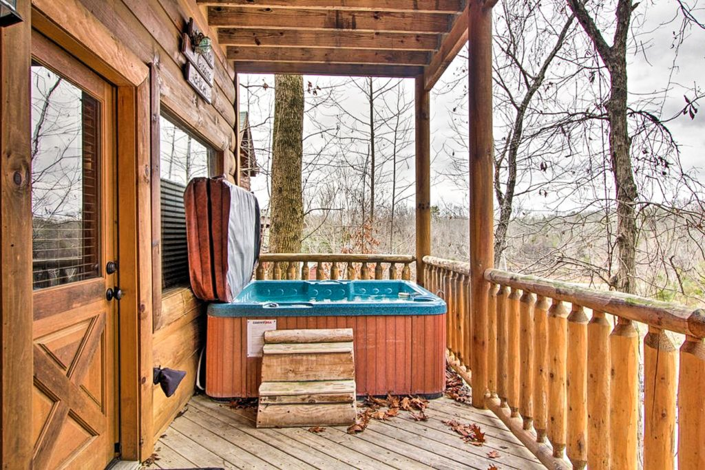 Photo of a Sevierville Cabin named Two Feathers - This is the thirty-seventh photo in the set.