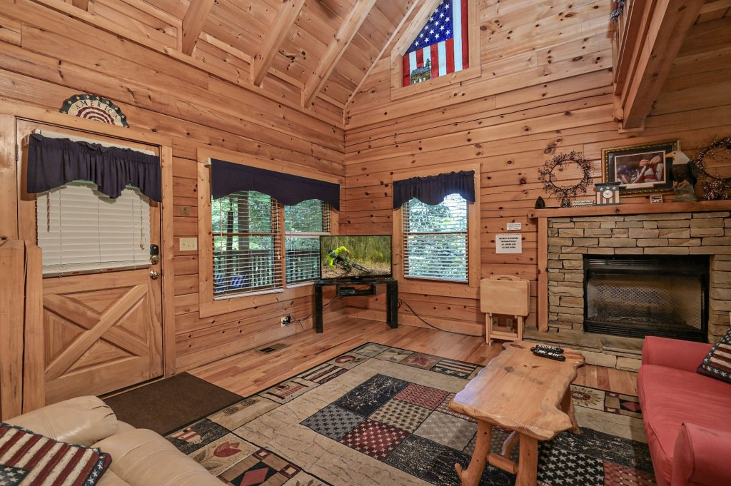 Photo of a Sevierville Cabin named Freedom Rings - This is the seventh photo in the set.