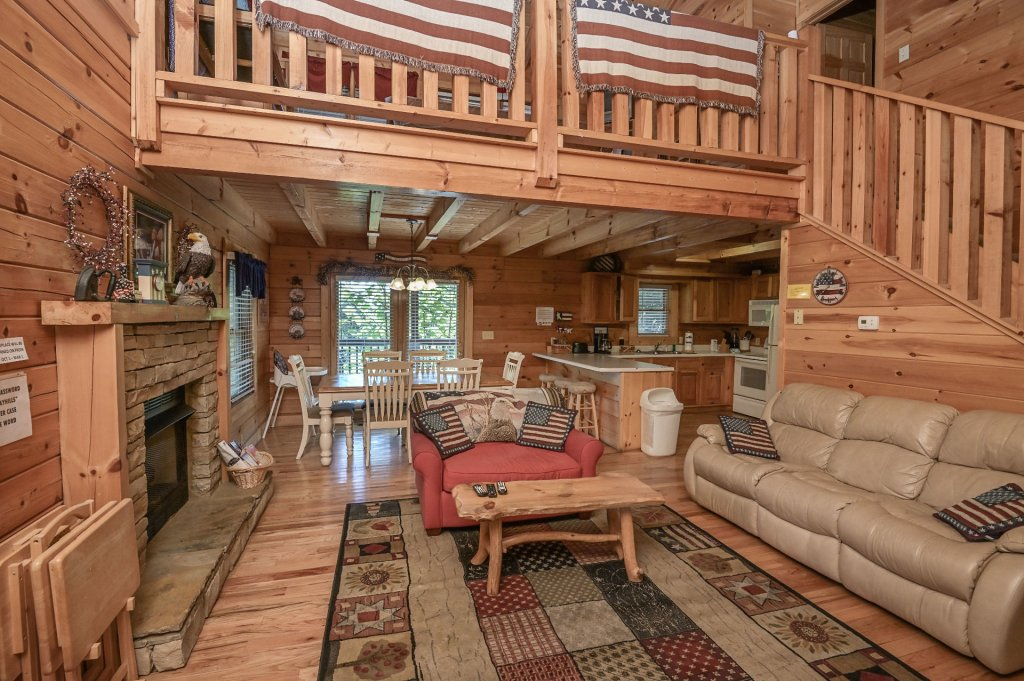 Photo of a Sevierville Cabin named Freedom Rings - This is the fifth photo in the set.
