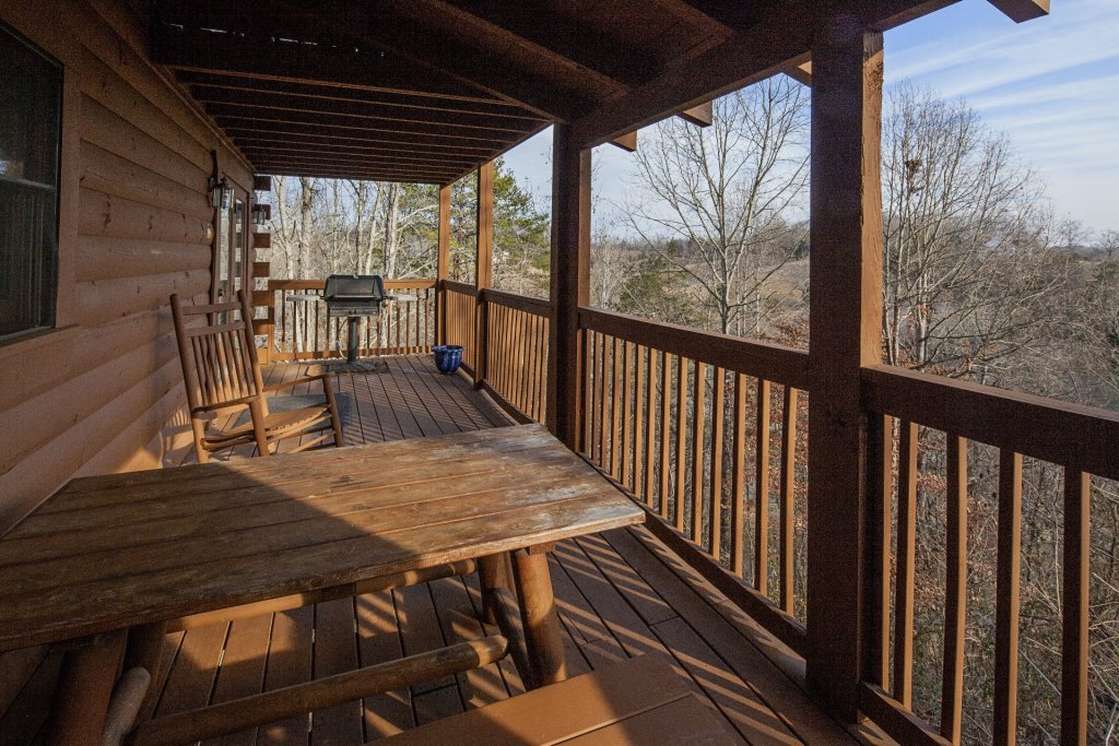 Photo of a Sevierville Cabin named Freedom Rings - This is the second photo in the set.