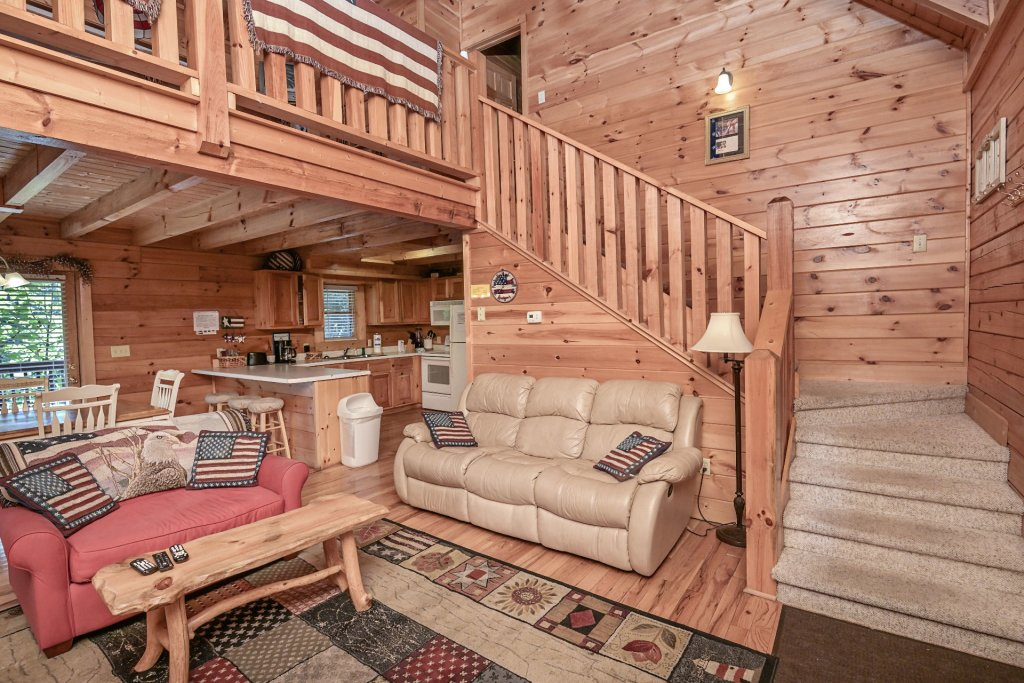 Photo of a Sevierville Cabin named Freedom Rings - This is the fourth photo in the set.