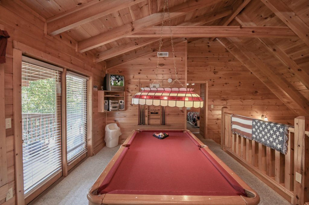 Photo of a Sevierville Cabin named Freedom Rings - This is the twentieth photo in the set.