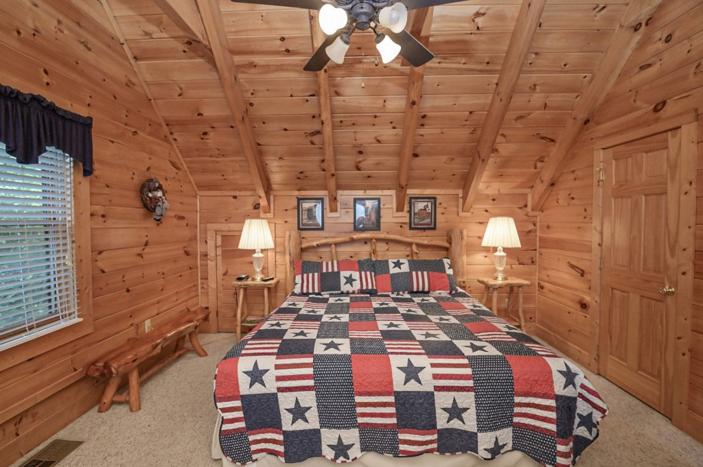 Photo of a Sevierville Cabin named Freedom Rings - This is the twenty-first photo in the set.