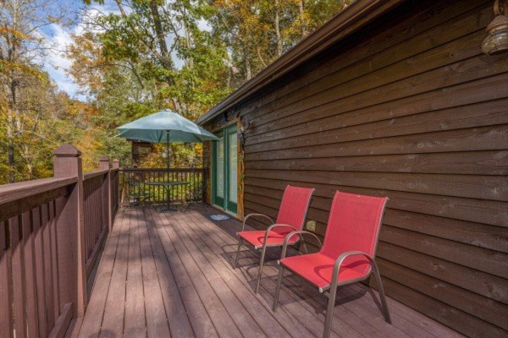 Photo of a Sevierville Cabin named Hidden Pines - This is the tenth photo in the set.