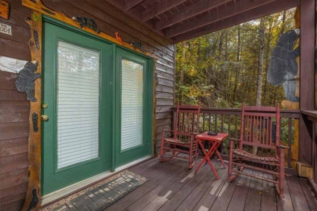 Photo of a Sevierville Cabin named Hidden Pines - This is the seventeenth photo in the set.