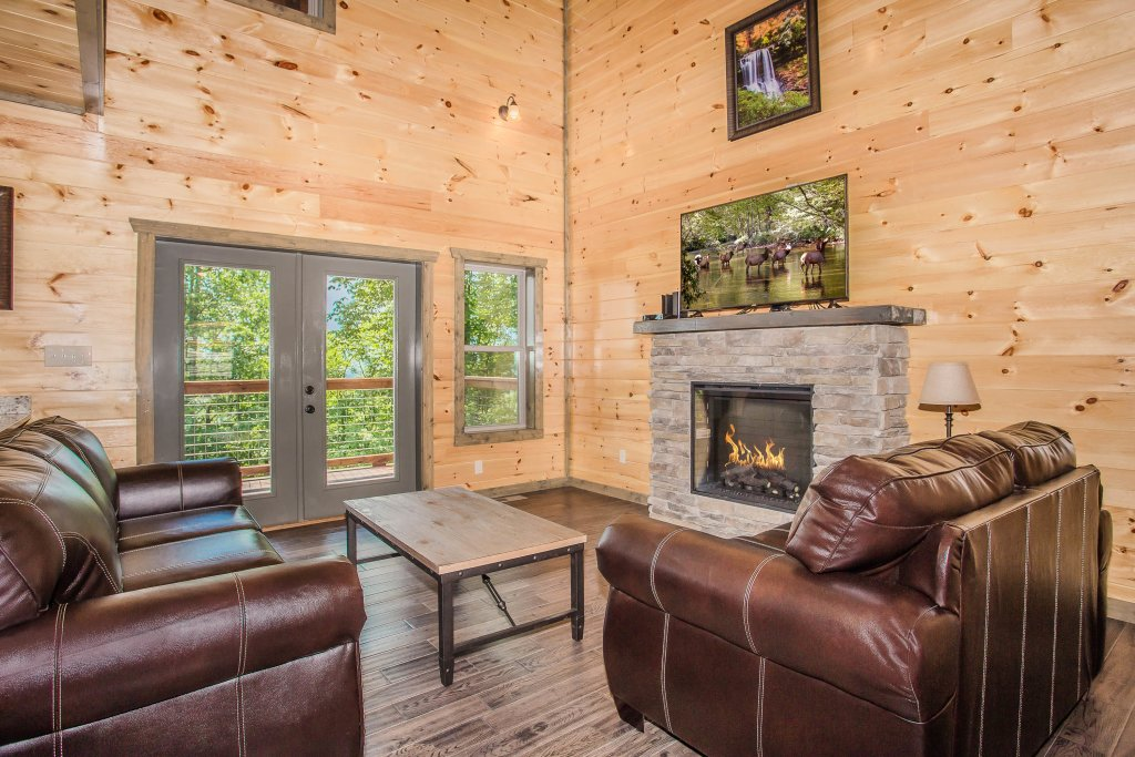 Photo of a Gatlinburg Cabin named Rainwater Falls - This is the eighteenth photo in the set.