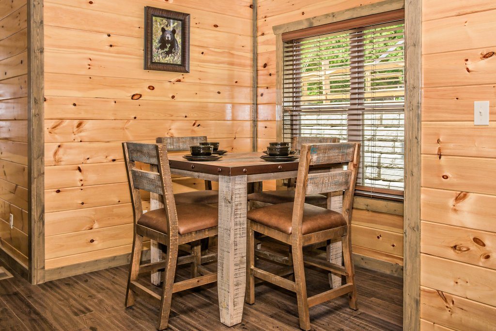 Photo of a Gatlinburg Cabin named Rainwater Falls - This is the nineteenth photo in the set.