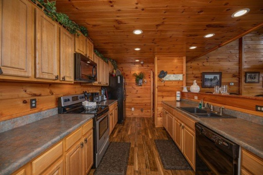 Photo of a Sevierville Cabin named True Grit - This is the seventh photo in the set.
