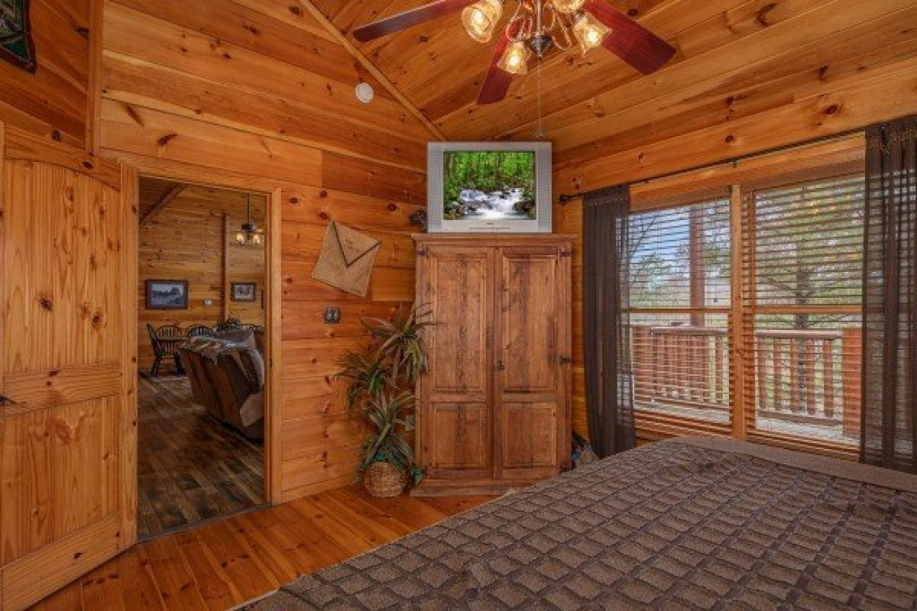 Photo of a Sevierville Cabin named True Grit - This is the thirteenth photo in the set.