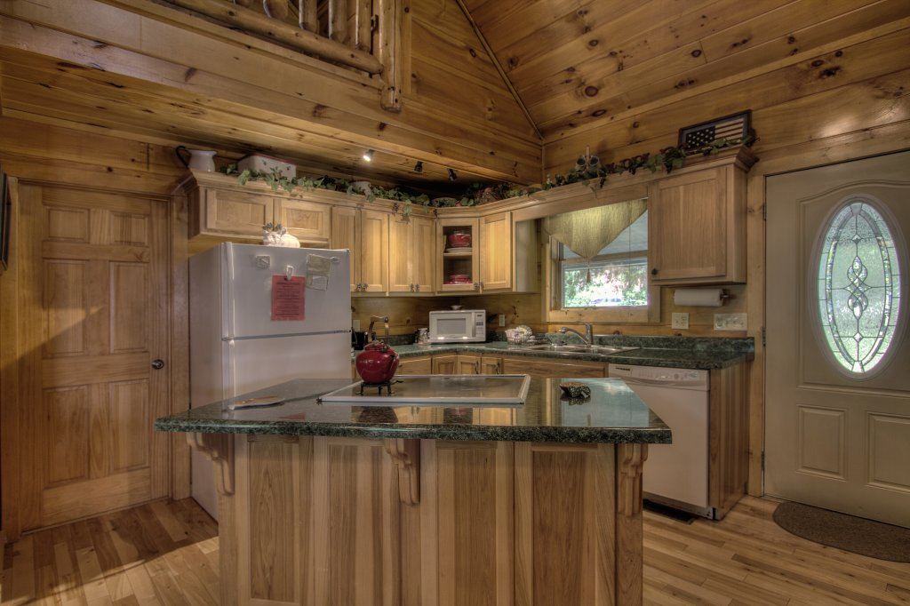 Photo of a Gatlinburg Cabin named Living Waters #376 - This is the third photo in the set.