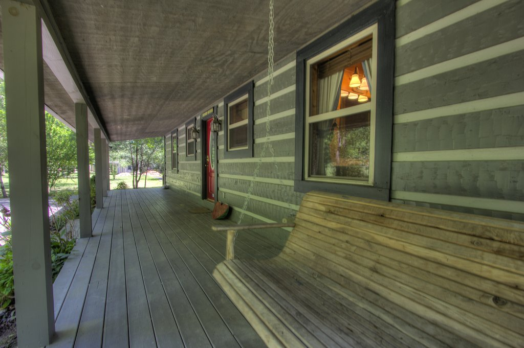 Photo of a Gatlinburg Cabin named Living Waters #376 - This is the fortieth photo in the set.