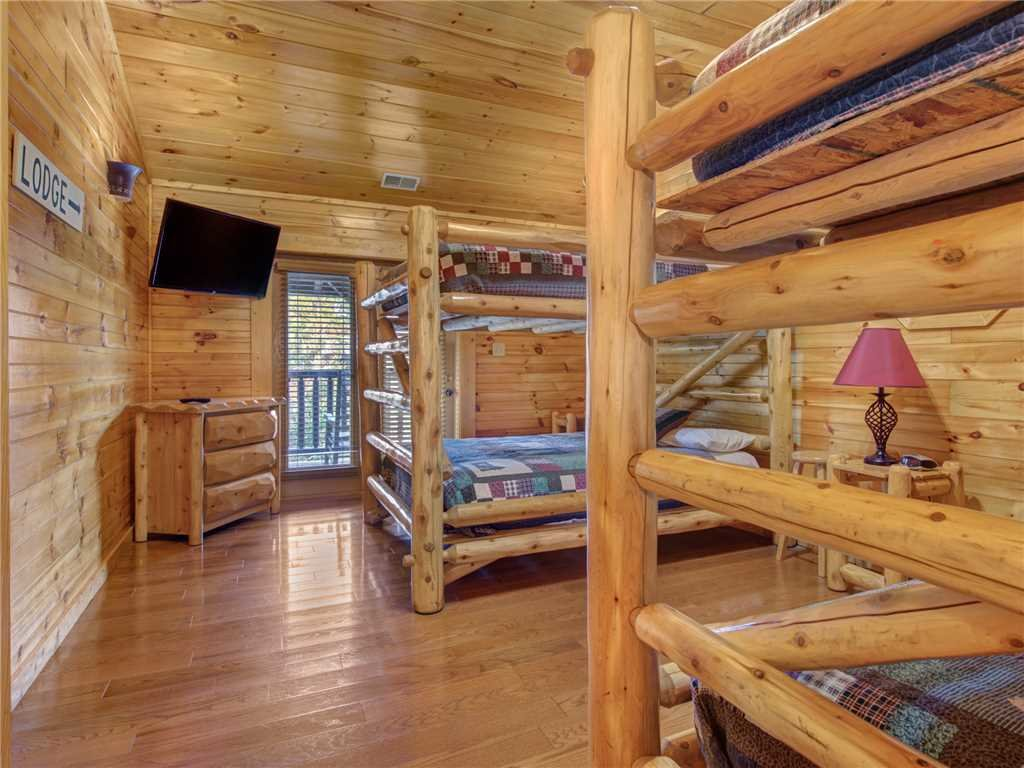 Photo of a Gatlinburg Cabin named Family Ties Lodge - This is the twentieth photo in the set.