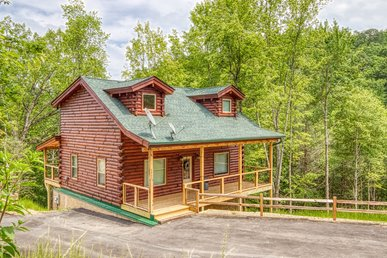 Brand New Smoky Mountain Cabin Rental With Foosball, Pool Table And Hot Tub