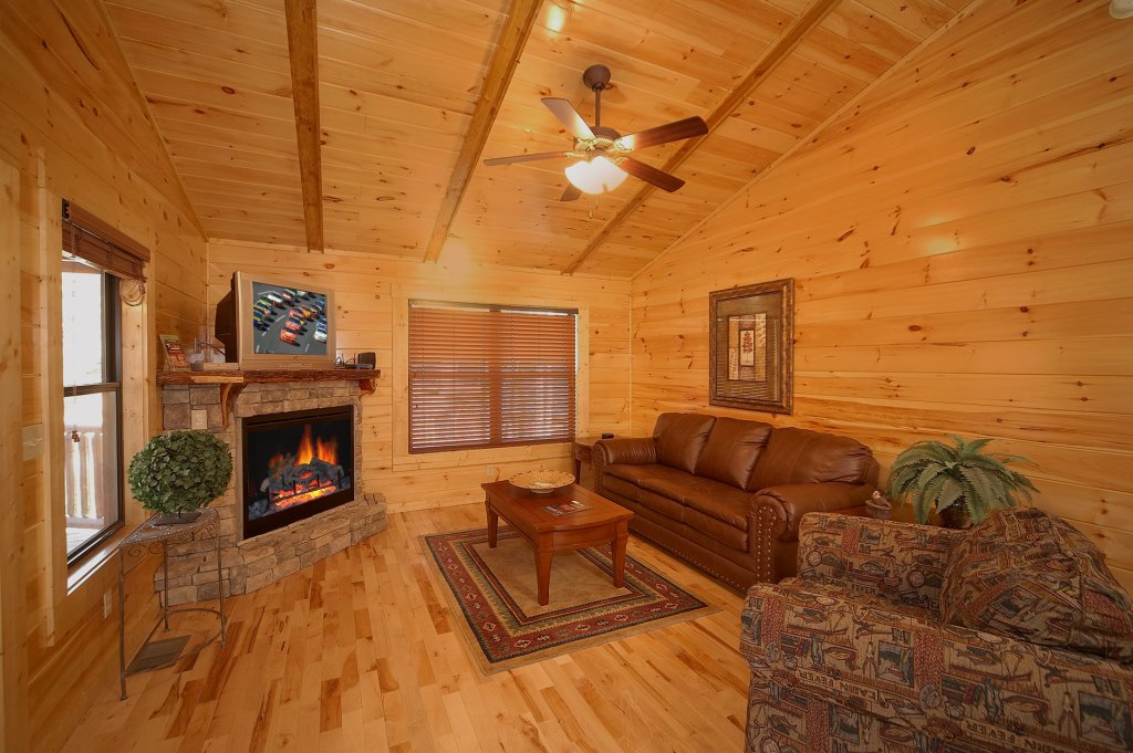 Photo of a Gatlinburg Cabin named Sweet Dreams - This is the sixth photo in the set.