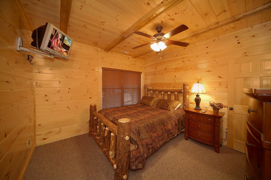 Photo of a Gatlinburg Cabin named Sweet Dreams - This is the tenth photo in the set.
