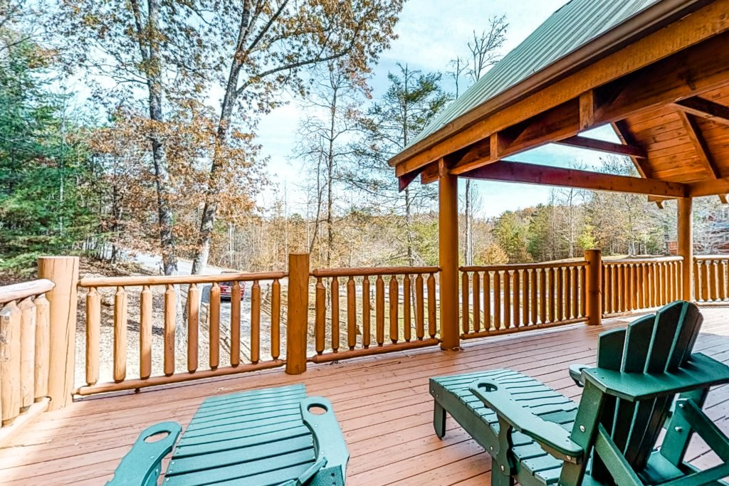 Photo of a Gatlinburg Cabin named Splashing Treehouse - This is the twenty-first photo in the set.