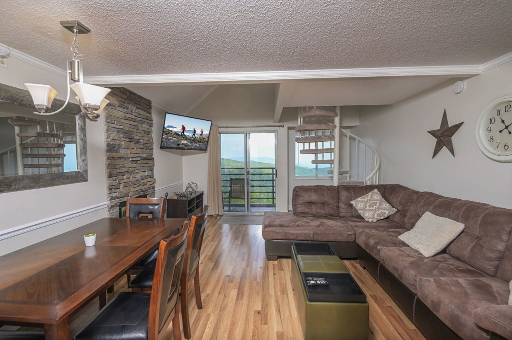 Photo of a Gatlinburg Condo named Summit Condo #5302 - This is the sixth photo in the set.