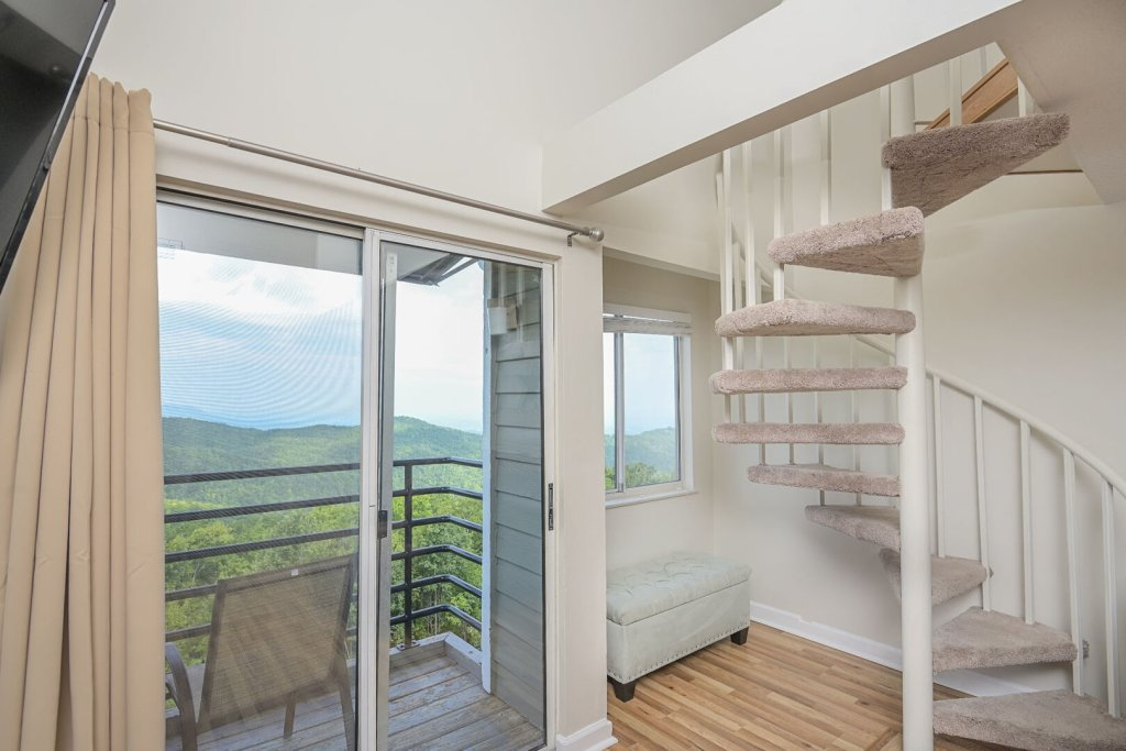 Photo of a Gatlinburg Condo named Summit Condo #5302 - This is the ninth photo in the set.