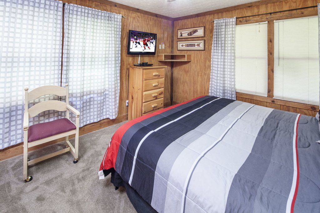 Photo of a Pigeon Forge Cabin named  Grandma & Granpaws Place - This is the eleventh photo in the set.