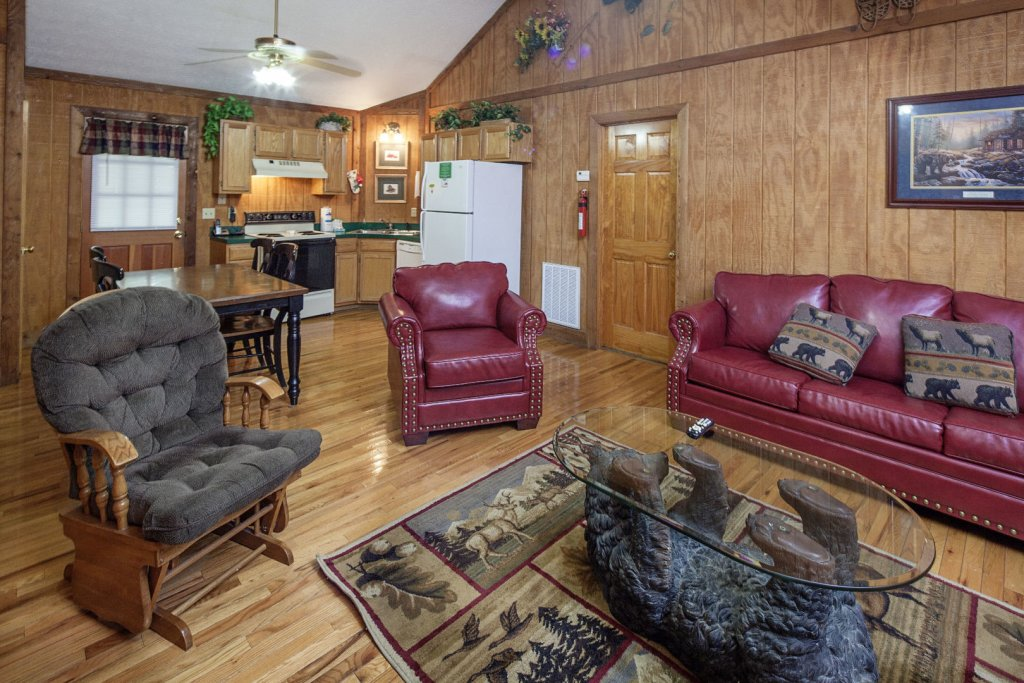 Photo of a Pigeon Forge Cabin named  Grandma & Granpaws Place - This is the fifth photo in the set.